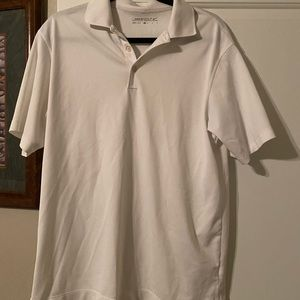White golf shirt polo